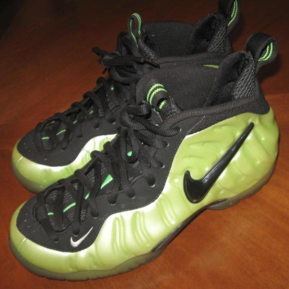 fad522a35404 Nike FoamPosite Pro Electric Green Size 8. M 5a4d3987caab448350024ed3